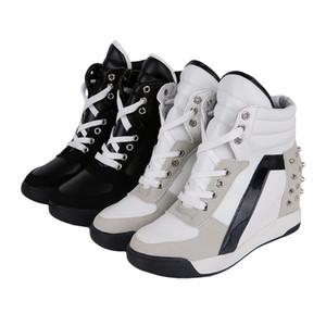 Señoras de las mujeres talones de la manera cuña de las zapatillas de deporte negras ocultas Rivetes blancos Hight el aumento de encaje hasta zapatos tenis