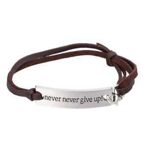 Al por mayor- mi forma Inspirational Quote Never Give Up Rectángulo Grabado Charm Pulsera de cuero Regalo de la joyería de graduación para mujeres