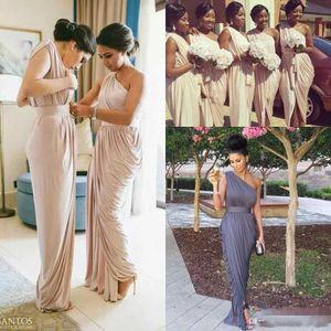 2017 Pale Dusty Pink Country Brautjungfernkleider Günstige One-Shoulder-lange moderne elegante Trauzeugin Hochzeitsgast Party Kleider