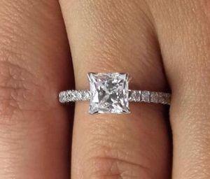 2.05 Ct Princess Cut Simulation 다이아몬드 약혼 반지 SI1 / D 14K 화이트 골드 강화