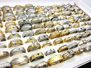 atacado estilos variados 50pcs / prata tom de ouro strass zircão aço inoxidável jóias anéis de noivado das mulheres lote dos homens