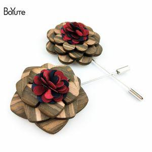 BoYuTe 5 Adet Moda Ahşap Çiçek Broş Pins Yüksek Kalite El Yapımı Yaka Pin Takım Düğün Takı Aksesuarları Noel Süs için