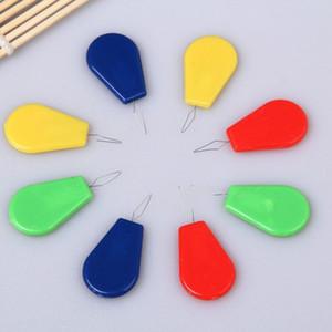 Venta caliente 10 Unids / lote Puntada de Alambre De Plástico Insertar Herramienta de Artesanía Máquinas de Coser Needle Threader Envío Gratis