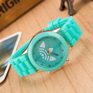 2017 패션 Unisex 스포츠 시계 실리콘 클로버 여성 드레스 손목 시계 다채로운 석영 아날로그 Reloj Mujer 캐주얼 여성 드롭 배송