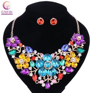 Frauen Fashion Statement Halskette Ohrringe setzt Braut Hochzeit Party Halskette Blume Typ Golden Plated Crystal Jewelry Sets