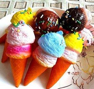 Commercio all'ingrosso 10 cm Nuovo Carino Soft Jumbo Ice Cream Cono Squishy Cinghie del telefono cellulare pane profumato portachiavi Charms