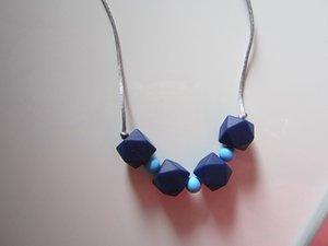 Subtile Hexagons Nursing Halskette Food Grade Silikon Chew Perlen Navy Blue Perlen Zahnen Halskette für Mama tragen sensorische Schmuck Beißring
