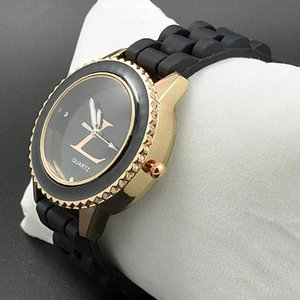 Marque de mode Montres Femmes Filles Silicone Bracelet Quartz Montre-Bracelet Horloge L02