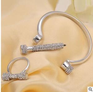 Plein de diamants lettre D bracelet bracelet bagues en fer à cheval vis bracelets de bonne qualité une couleur expédition libre