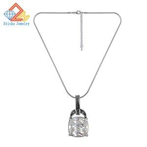 Bling Necklace Europa y los Estados Unidos Popular Lady Retro Necklace Pendant Sticks Jewelry White Zircon Pendant