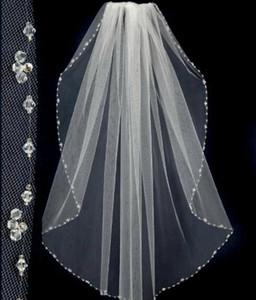 Il nuovo disegno breve veli nozze con il rilievo Pinterest Popolare Bianco Economici Veils nuziale Uno strato velo da sposa in pizzo