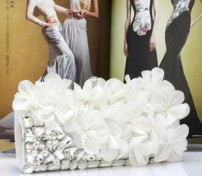 2017 A nova linda flor pacote Diamantes saco de jantar Sólida pode ser hand-held diagonal cruz-objetos de um multi-purpose