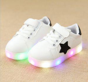Clásico ventas calientes LED moda niños zapatos Lovely stars deportes corriendo niños zapatillas de deporte fresco ocio niñas niños zapatos de tenis infantil