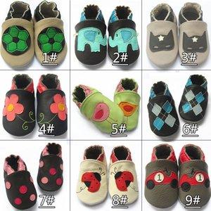 Colores de la mezcla de promoción 100% cuero de vaca Zapatos de caminata de suela blanda zapatos de cuero genuino del bebé primero caminante
