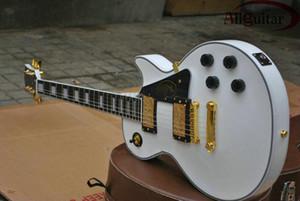 Custom Shop Deluxe Alpine White Upgrade LP Guitarra eléctrica Cuello de una pieza Diapasón de ébano Fijación de trastes Blanco MOP Inlay Oro Hardware