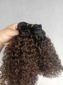 Trama dei capelli vergini umani indiani Ombre 1b / 4 # Weaves Brown Curly Weaves Doppi Bundle disegnati 100 g