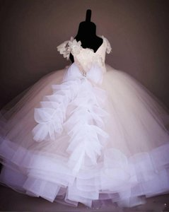 Prinzessin Ballkleid Blumenmädchenkleider mit Perlen Spitze Festzug Kleider für Mädchen V-Ausschnitt Puffy Tüll Kids Formal Wear