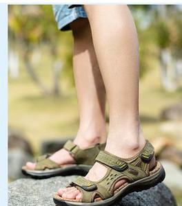 2017 Estate i sandali del faashion degli uomini Pattini piani del cuoio genuino Ciabatte da spiaggia Walking Casual Mens Shoessmileseller