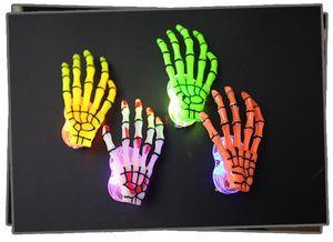 Yeni Varış Sıcak İskelet Pençeleri Kafatası LED El Firkete Zombi Yaratıcı Cadılar Bayramı Dekorasyon Oyuncaklar Yanıp Sönen LED Saç Klip El Kemik Firkete