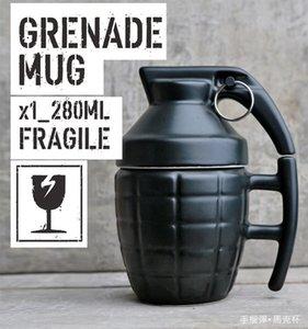 Creative Grenade Drinkware Tasses Céramique Eau Café Tasse À Thé Tasse Avec Couvercle Couvercle Blanc / Noir 280ml Grenade Boom Tasses Cadeaux De Noël