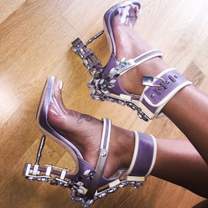 Estate Luxury Strange Heel Crystal Designer Shoes Donna PVC tacco alto Sandali 2016 Padlock Ankle Strap strass Sandali