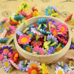 Wholesale-30pcs / lot 2cm decorativo flor del arte de decoración de la boda de flores de seda de destello barato mini margarita artificial Cabeza para DIY de la guirnalda de regalo