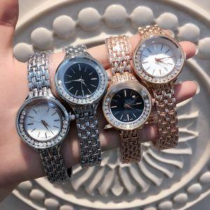 Ein PC / Los Art und Weise Frauen kleiden Uhren Damenuhr Edelstahl Rose Gold / Silber-Armband beiläufige Dame Armbanduhr hochwertige weibliche Uhr
