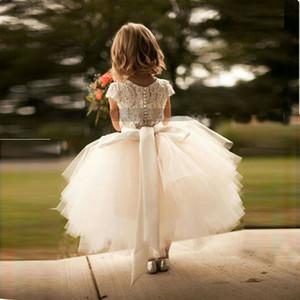 2017 yeni varış beyaz dantel ve tül çiçek kız dress kısa kollu kanat katmanlı tutu etek çocuklar örgün giyim elbiseler custom made