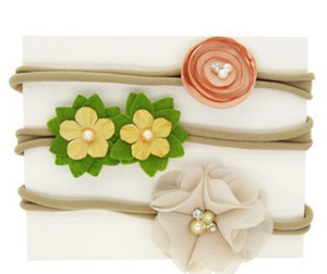 flores de perlas conjuntos bandas para la cabeza tocado regalos de cumpleaños de tres piezas traje de fiesta floral bebé accesorios de fotografía de boda 55
