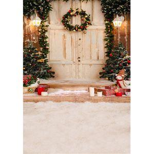 Im freien Haus Weihnachtsbaum Fotografie Hintergrund Kranz auf weißen Holztür Treppen Geschenkboxen Kinder Kinder Winter Schnee Foto Hintergrund