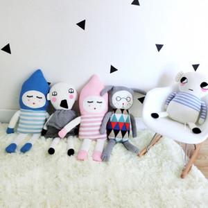 INS QUENTE Sorte Menino Domingo Bonecas de Pelúcia Brinquedos De Pelúcia de Conforto Crochê Macio Dinamarca Brinquedos para Meninas Crianças Boneca Travesseiro Presente de Aniversário