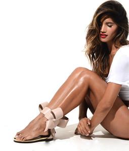 Yeni Tasarım Papyon Kadın Gladyatör Sandalet Flats Siyah Kırmızı Çıplak Rahat Açık Daireler Yaz Koşu Sandalet Ayak Bileği Patik Chaussure Femme
