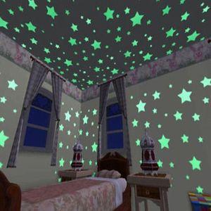 100pcs Wall Stickers Decal Glow In The Dark Bambini Camera da letto Home Decor Stelle di colore luminoso adesivi murali fluorescenti Decalcomania