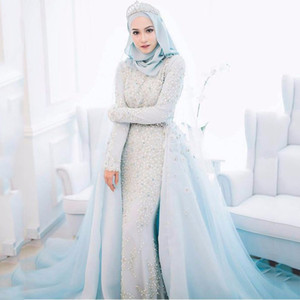 럭셔리 파우더 블루 이슬람 웨딩 드레스 2017 파란색 크리스탈 진주 로맨틱 아이스 블루 웨딩 정식 가운 이슬람 신부 드레스