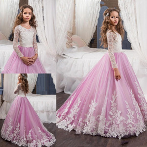 2017 New Pink Lovely maniche lunghe Flower Girl Dresses Princess Crew Necl Lace Corpetto Appliques cintura Abiti pageant della ragazza con Sweep Train