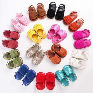 2017 Baby PU кожа MOCCs Резина первая Уокер Обувь Tassels Mocassions Детские туфли Мягкие Обувь Обувь для мягких Обувь Сандалии 15 Цветов Выберите Бесплатно