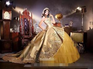 Gold Embrodiery Appliques Corset Gothic Quinceanera Robes avec Train de cathédrale détachable Sweet 16 anniversaire fête de la fête de la mascarade Dres