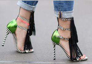 여름을위한 새 술 스타일 샌들 여성을위한 검투사 높은 뒤꿈치 프린지 샌들 섹시한 벗겨진 숙 녀 신발 브랜드 디자이너