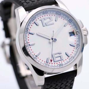 높은 품질 Chopad 복고 스타일 남성 시계 44 MM 자동 기계식 시계는 상징적 인 트레드 패턴에 투명한 다시 검은 색 고무 밴드