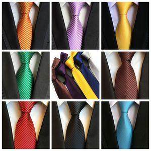 Yeni Moda Erkekler Kravat Katı Ipek saten kravatlar 8 cm Ok tipi kravat Düğün işadamı boyunluk 16 renkler var