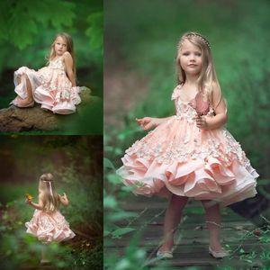 Yeni Sevimli Pembe Çiçek Çiçek Kızların Elbiseler 2017 Ekip Boyun Dantel 3D Aplikler Kolsuz Diz Boyu Küçük Kızlar Parti Törenlerinde