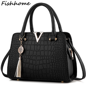 Wholesale- 2017 Women Tassel Pendant Handbag Alligator Simple Messenger Bag High Capacity Shell Shoulder Bag Female  Designer CQ118
