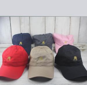 Geboren Sinner benutzerdefinierte unstrukturierte Papa Hut Cap J Cole TDE Nation New-White w / Gold Sünder Krone Kappe für Männer Frauen Knochen Gorras Swag