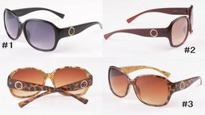 Moda donne di marca degli occhiali da sole economici 8013 Burst Trend Occhiali da sole di guida per le donne all'aperto grande cornice Sun Shades Occhiali da sole