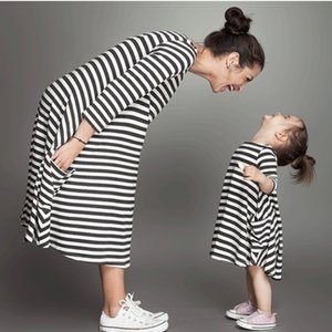 Summer New Mother Daughter Dress Tenue Assortie Vêtements Pour Enfants Stripe Sleeveless Casual Clothing Mommy and Me