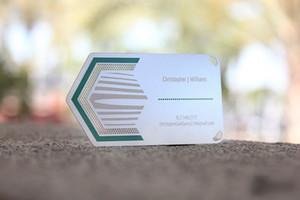 Metal kartvizit vip kartları Katı paslanmaz çelik kazınmış buzlu renkli yükseltilmiş baskı metal kart