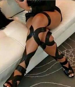2017 Sexy Aberto Do Dedo Gladiador Sandálias Das Mulheres Botas Cut-Outs Lace Up Coxa Botas Altas de Salto Alto Sapatos de Couro Preto Mulher Botas Mujer