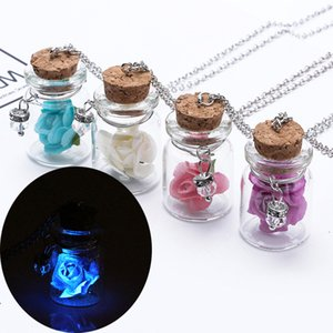 Rose Flor luminosa brilham no escuro drift garrafa pingente brilhante flor colar de garrafa de vidro luz por Mulheres jóias dom casal colar