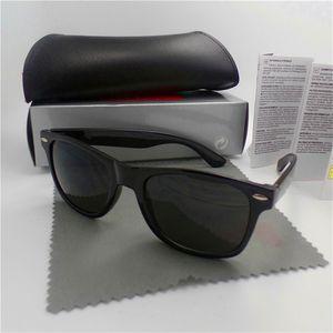 L'alta qualità degli uomini di modo Occhiali da sole UV di protezione di sport esterno degli occhiali da sole dell'annata delle donne Retro occhiali con la scatola e casi