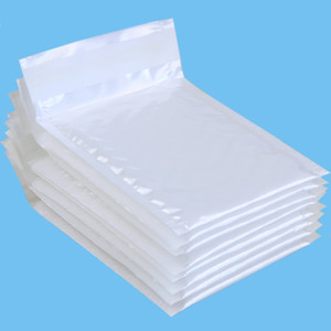 Vente en gros- (110 * 130mm) 10pcs / lots Enveloppes enveloppées par enveloppes rembourrées Bubble Packaging Bags